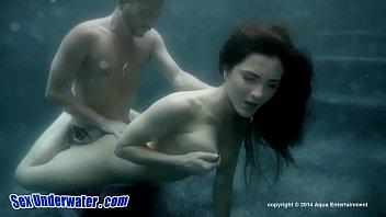เย็ดในสระ เย็ดใต้น้ำ เย็ดเร้าใจ เย็ดเก่ง เย็ดหี